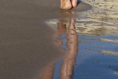 Thekla-Gavriel-Επειδή-στις-παραλίες-μας-θελουμε-μονο-τα-απούπωματα-μας-που-τα-σβήνει-το-κύμα..